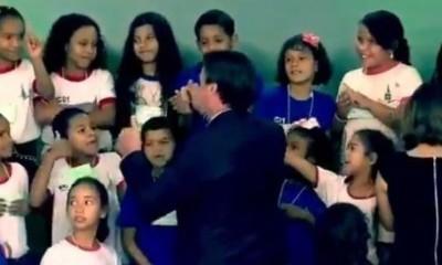 Jair Bolsonaro e a menina que não é palmeirense
