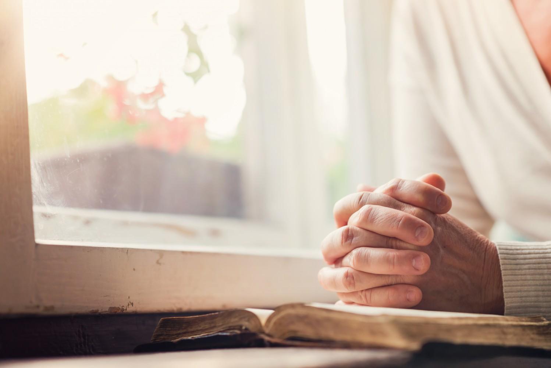 Ateus e agnósticos estão dispostos a pagar para não receber orações