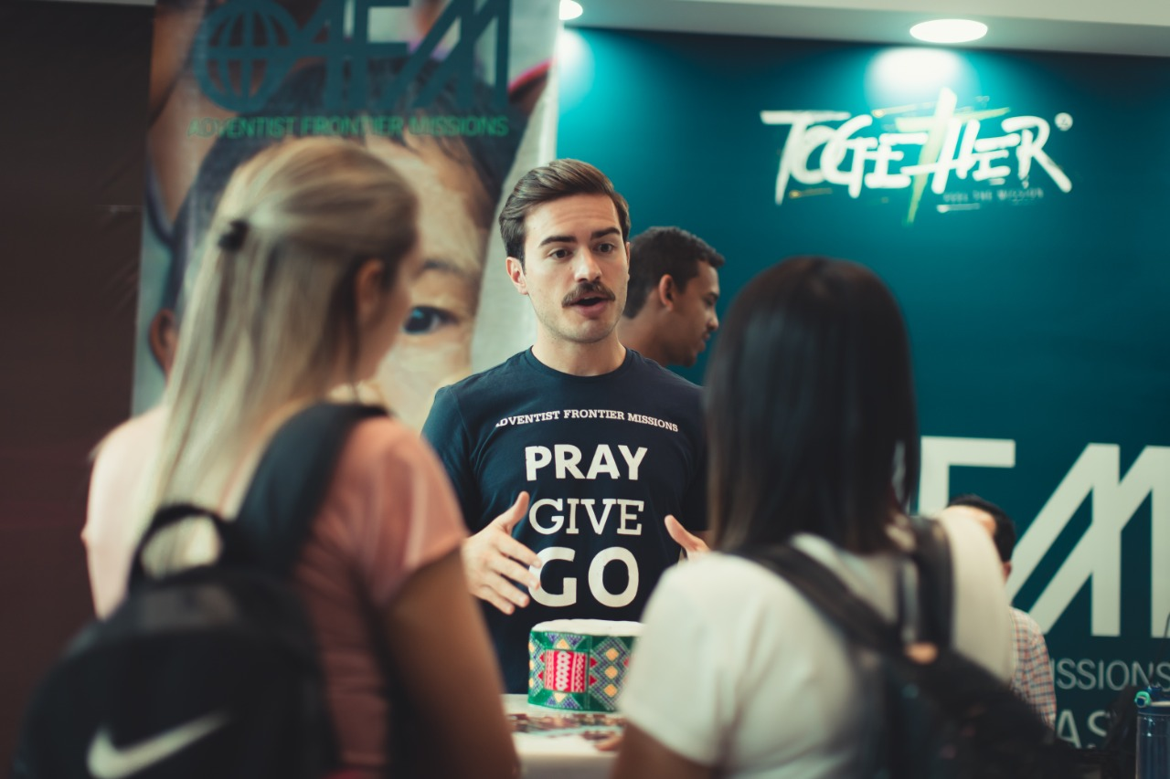 Evento reúne 10 mil jovens para ações sociais no DF