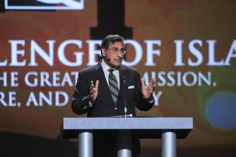 """""""Evangelho liberal é a grande apostasia antes do retorno de Cristo"""", diz pastor"""