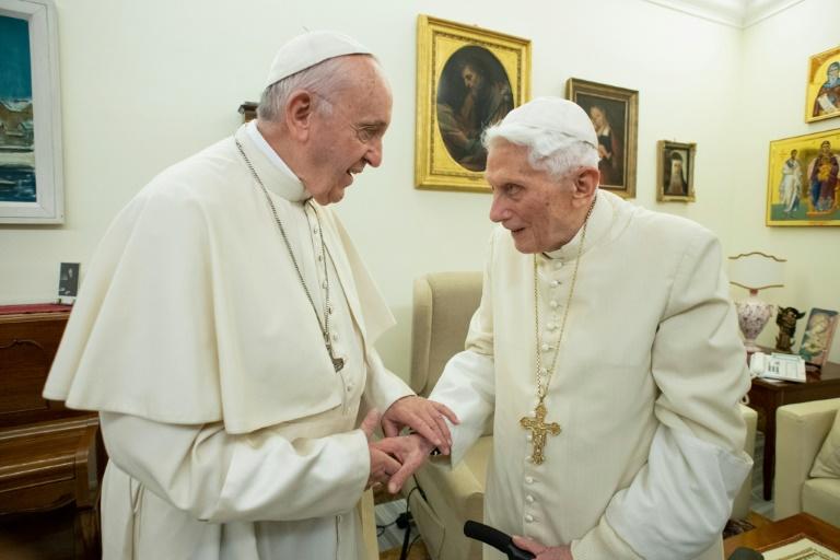 Bento XVI relaciona casamento gay ao anticristo e diz que tentam silenciá-lo