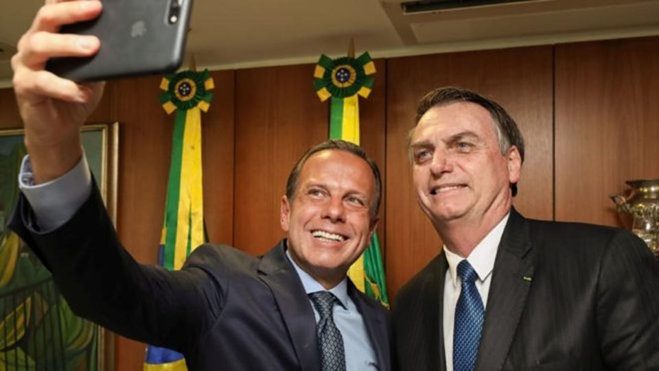 """Impopular e pressionado, Dória quer """"reunião de paz"""" com Bolsonaro"""