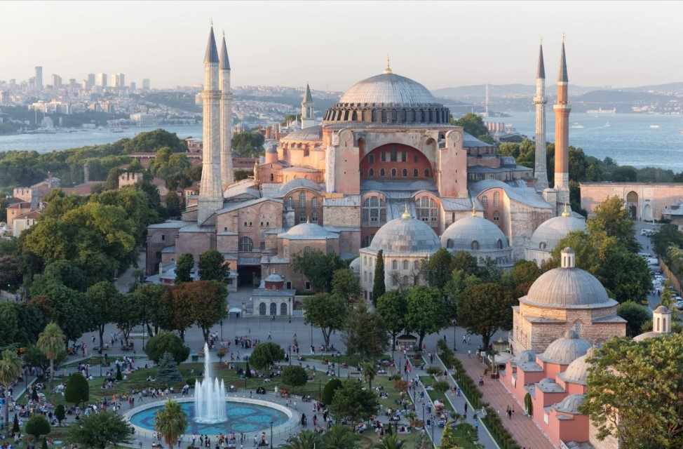 Afronta: Turquia convida papa Francisco para visitar igreja convertida em mesquita