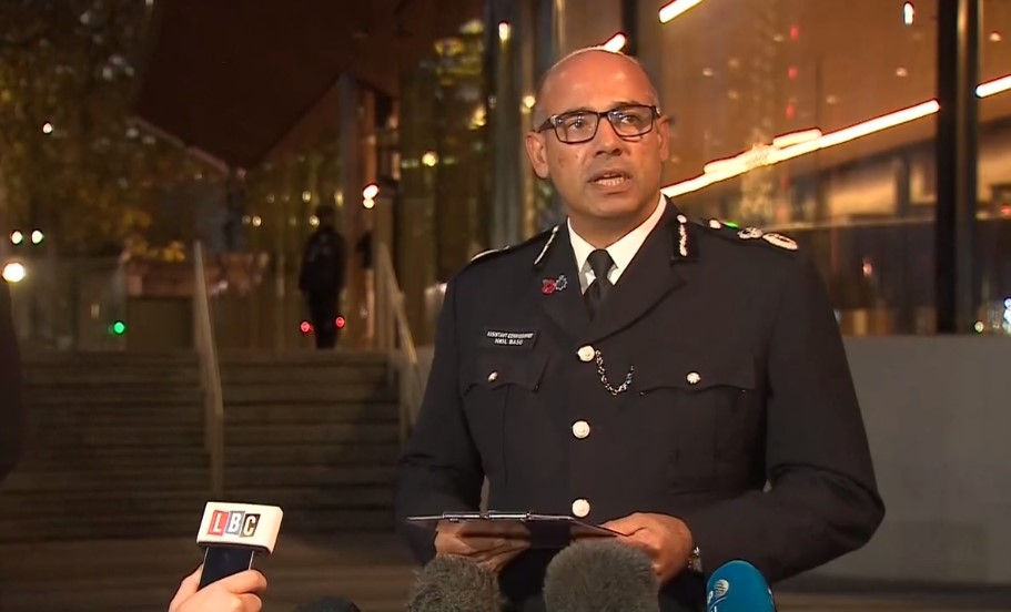"Para atender muçulmanos, Reino Unido quer mudar termo ""terrorismo islâmico"""