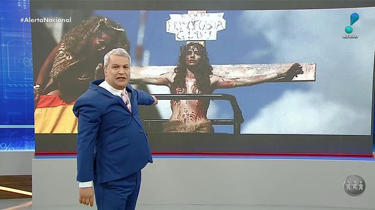 Sikêra Jr. é condenado por criticar transexual que imitou Jesus na cruz