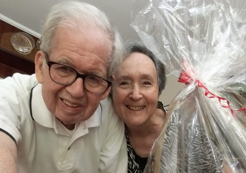 O sobrevivente do Holocausto, Tom Venetianer, e a esposa Suzana