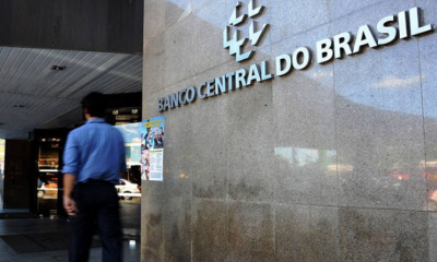 A inadimplência dos empréstimos do Brasil caiu para baixa recorde em outubro