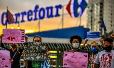 Violência explode no Brasil após negro espancado até a morte na loja Carrefour